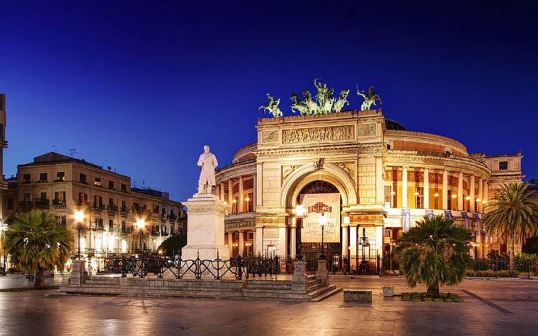 I due teatri lirici a Palermo